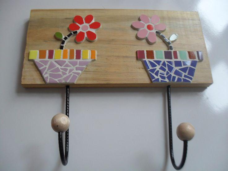 "Cabide 2 ganchos "" Vasinhos de flor"" | Madrís Mosaicos | Elo7"