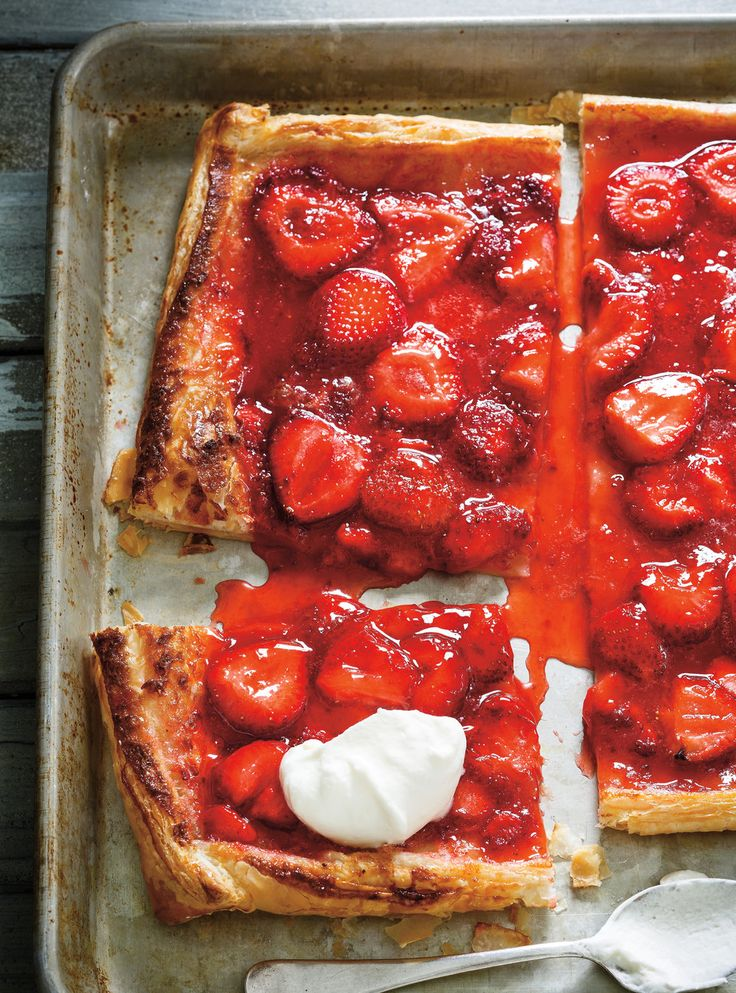 Recette de Ricardo de tarte rapide aux fraises à 5 ingrédients