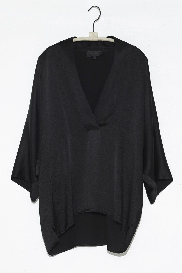 Black Pebbled Silk Kimono Top