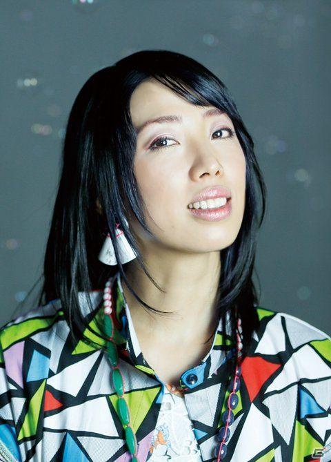 """パーソナリティー◇いとうかなこ(Kanako Ito)2002年9月、ニトロプラス社ゲーム『鬼哭街』主題歌「涙尽鈴音響」でデビュー以来、ゲーム・アニメ主題歌を中心にレーベルやジャンルの壁を超えた音楽を発表し続け、数々のタイアップ・シングルやオリジナル・アルバムを発売。 精力的なライブ活動は国内だけでなく、海外へも進出し層の厚いファンを獲得。代表作は5pb.×ニトロプラスのゲーム""""科学アドベンチャーシリーズ""""。『CHAOS;HEAD』、『STEINS;GATE』、『ROBOTICS;NOTES』、『CHAOS;CHILD』、『STEINS;GATE 0』これらシリーズ5作品すべてに参加し、それぞれ強烈な作品世界をひとつにする役割を担っている。 """"歌力""""と""""音楽""""と""""物語""""の可能性を信じて、世界に広めるべく鋭意活動中!"""
