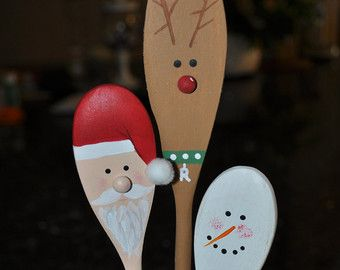 Wooden Easter Kitchen Spoons Carrot Bunny Egg von CurvesandEdges