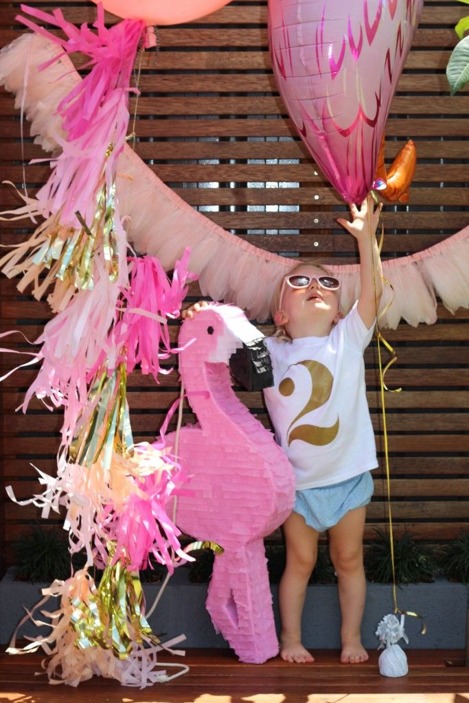 Flamingo Party Feature and Flamingo Party Supplies