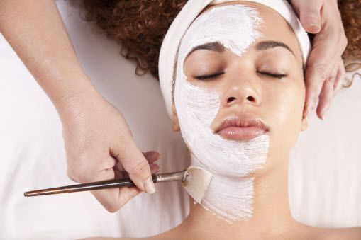 The medium peel is the ideal chemical peeling for acne, age spots, wrinkles, fine lines, freckles and moderate skin discoloration.
