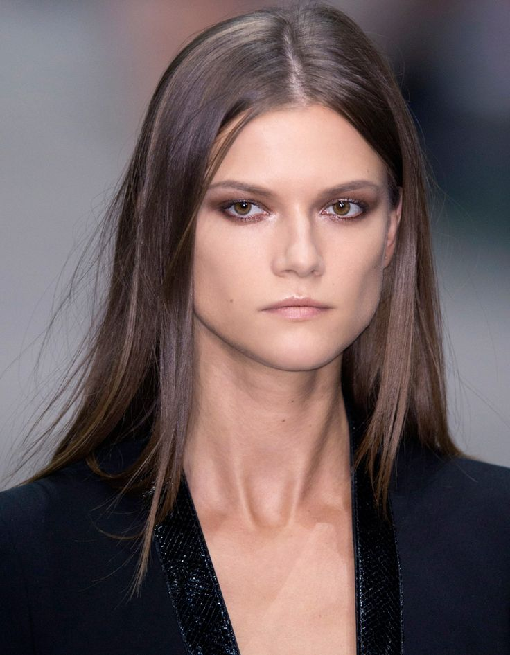 Coloration brune : le brun cendré - Coloration brune : les 10 nuances qui font la tendance - Elle