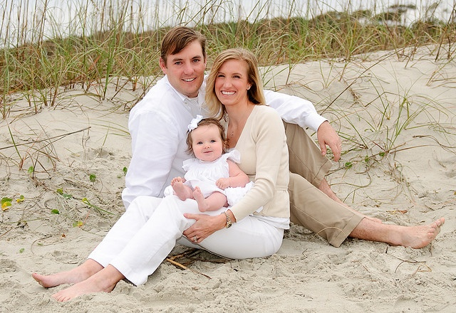 Couple with small girl myrtle beach family pose by Ryan Smith Photography, via Flickr