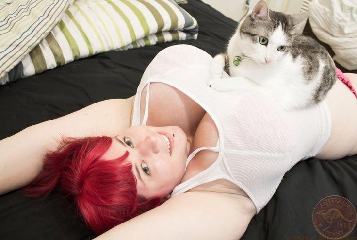 Это тот вариант, когда у кота жизнь лучше твоей