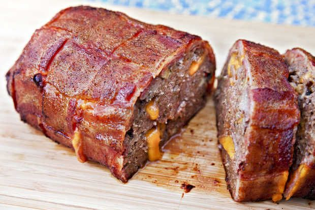 meatloaf with cheese & weave-wrapped bacon: Dinner, Bacon Wrapped Meatloaf, Recipe, Bacon Cheddar Meatloaf, Meatloaf Bacon Wrapped, Bacon Bacon, Bacon Cheeseburger Meatloaf, Meatloaf Stuffed, Chief