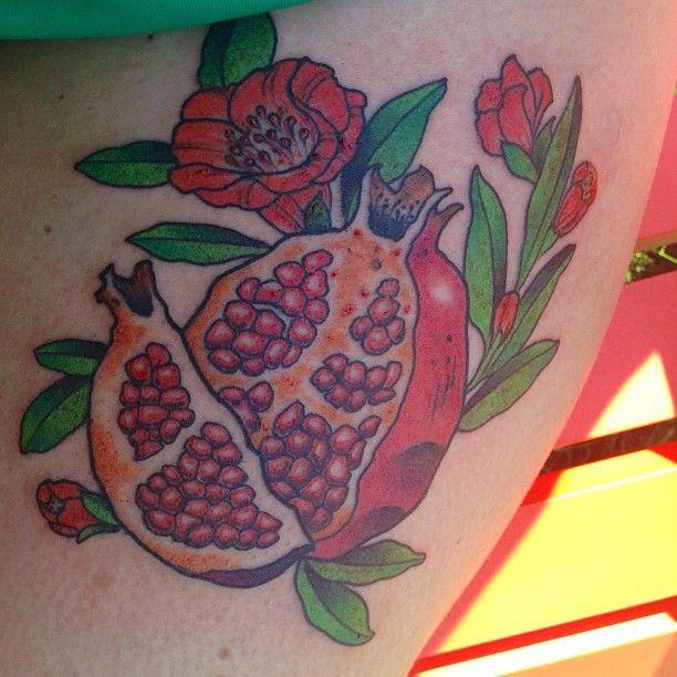 77 best images about tattoo on pinterest pomegranates flower and esther garcia. Black Bedroom Furniture Sets. Home Design Ideas