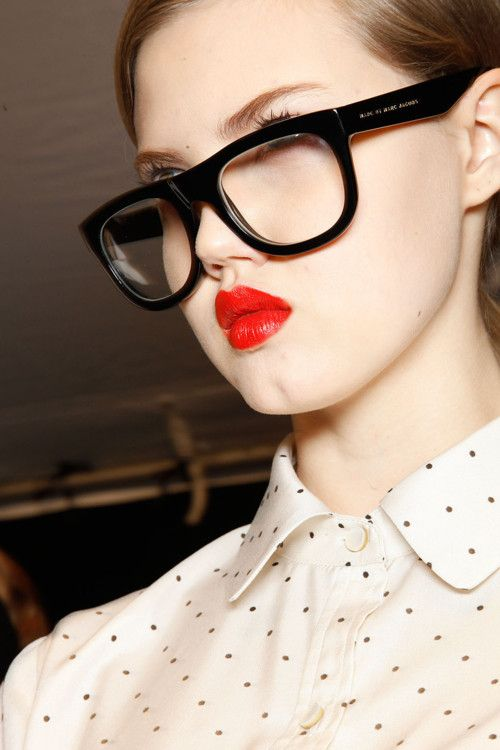 Make-up by Dick Page for Shiseido. Marc by Marc Jacobs Fall 2012.: Hair Beautiful, Glasses 3, Lips Marcjacob, Chic Sunglasses, Big Sunglasses, Fw 2012, Fall 2012, Bright Lips, Inspiration Style
