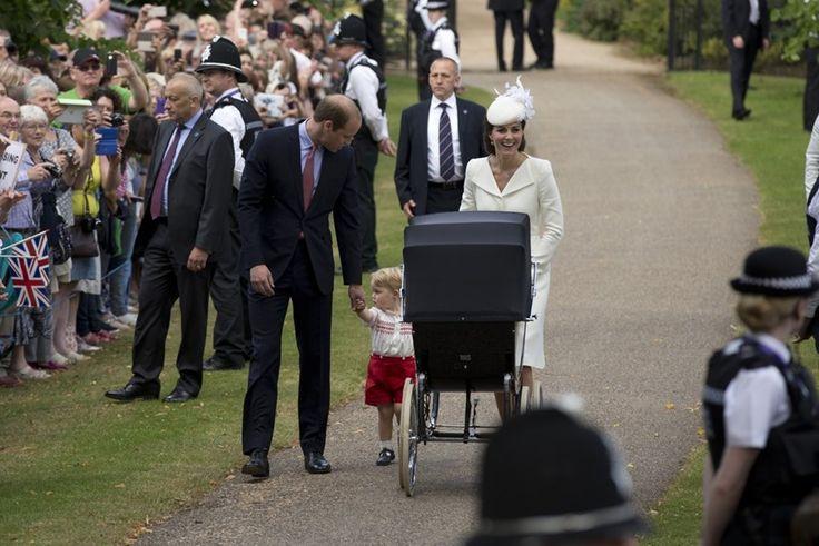 Schattig gezinsgeluk tijdens doop prinses Charlotte - Het Nieuwsblad: http://www.nieuwsblad.be/cnt/dmf20150705_01763520