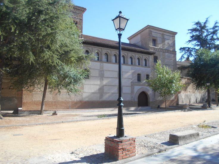 Vista de 3/4 desde la calle Sos del Rey Católico.