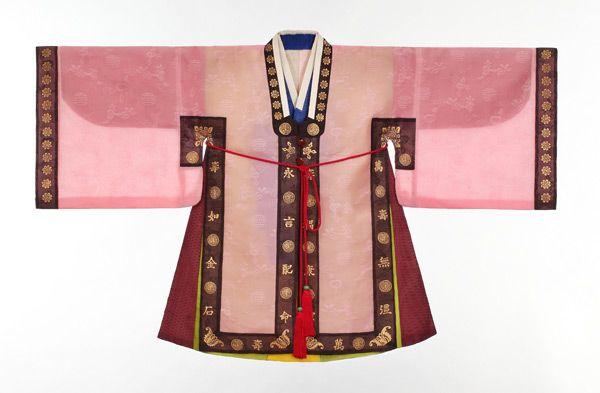 사규삼_조선시대에 나이 어린 세자가 관례를 치르기 전에 입는 평상복이다.