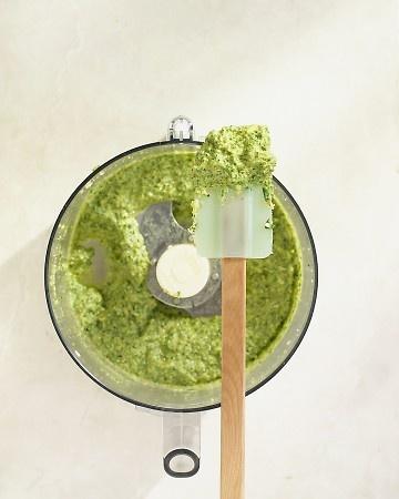 How to make pesto.