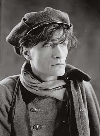 Antonin Artaud em 1936 by Man Ray