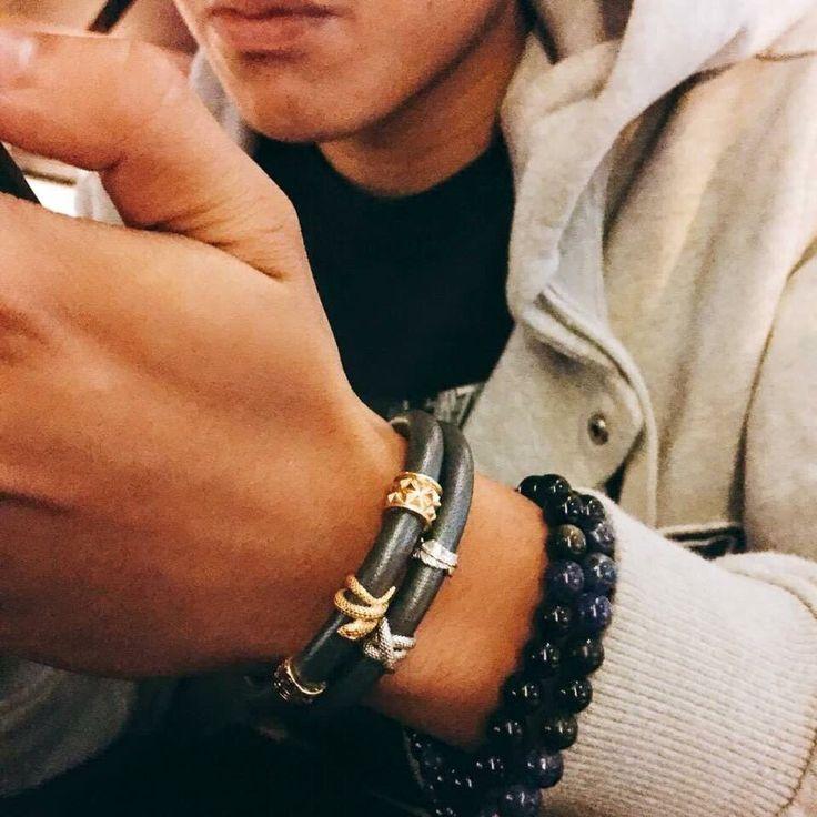 Кожаный браслет – один из самых модных аксессуаров, который всегда будет на пике популярности. Несомненно, именно кожаный мужской кожаный браслет станет необыкновенным дополнением к вашему имиджу, который будет притягивать взгляды и удивлять. #красота #подарок #стиль #beautiful #бижутерия #fashion #ручнаяработа #мода #аксессуары #handmade #москва #jewelry #love #вналичии #кольцо #красиво #happy #браслеты #подарки #accessories #follow #украшение #endlesslove #endlessjewelry #endlessjewelryrus…