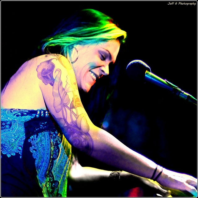 Beth Hart, Flickr by Jeff G Photography