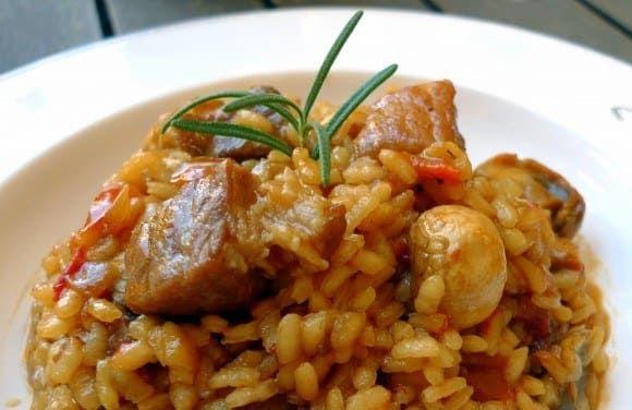 Dale vida a un simple arroz con pollo, que aunque es delicioso merece algunas veces un poco de potencia. Pasos especiales por acá.