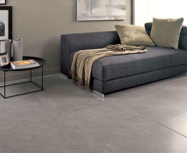 Salon avec carrelage gris mur gris beige alli un for Salon gris beton