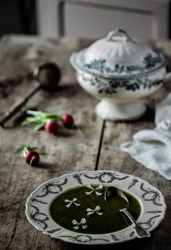 Radish tops soup / Soupe de fanes de radis