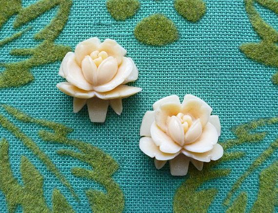 Classic Ivory Vintage Celluloid Rose Stud Earrings // Retro Girly Flower Mod Lolita Boho Pinup Alice Victorian Deco Nouveau on Etsy, $14.00