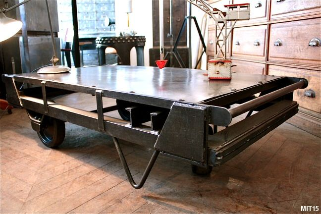 1000 idées sur le thème Table De Roue De Chariot sur Pinterest  Lumière De R -> Table Basse Industrielle Chariot Ptt