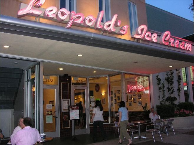 147 best favorite places spaces images on pinterest for Old fashioned soda fountain near me