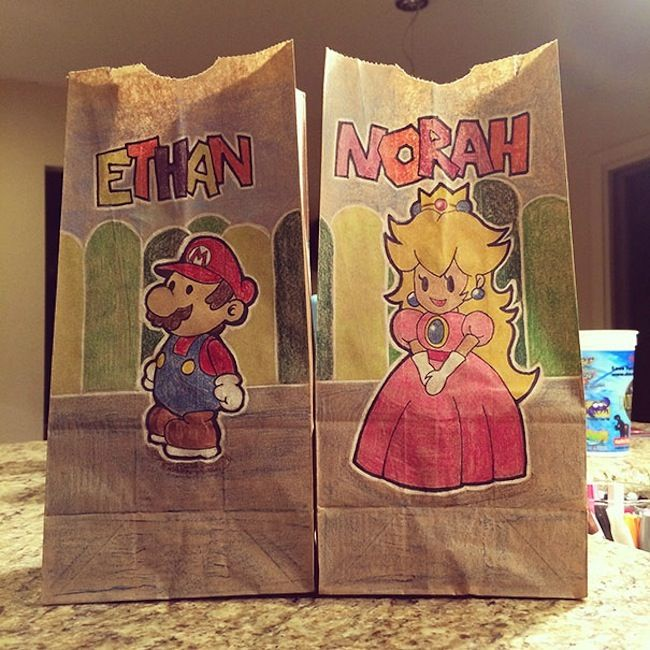 Mom draws amazing artwork on children's lunch bags every day