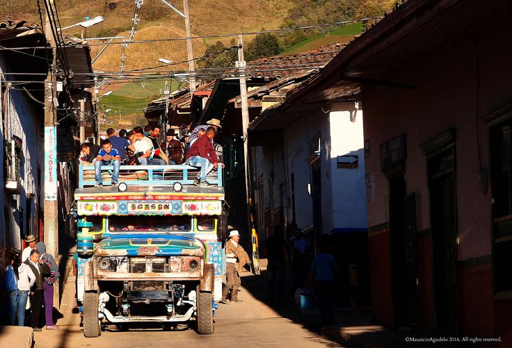 https://flic.kr/p/FHbFRs | Bus Escalera | Sonsòn Antioquia Colombia ©MauricioAgudelo 2016. All rights reserved. Use without permission is illegal