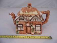 Théière Vintage Porcelaine Pays Anglais tudor Cottage Forme théière
