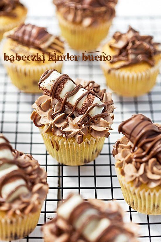 Muffins mit Schokolade Kinder Bueno – Süßes