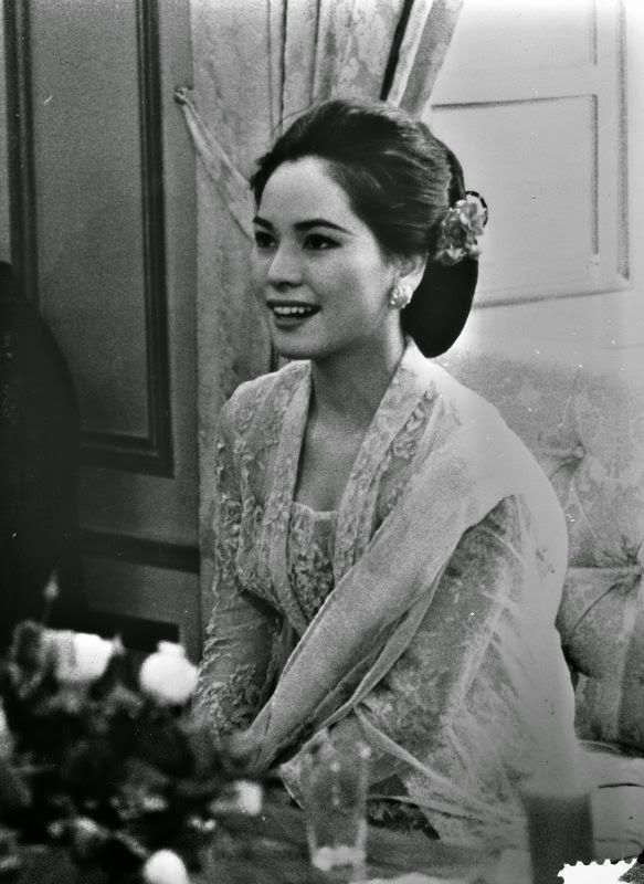 Foto-foto 9 Istri Soekarno [Ratna Sari Dewi Paling Cantik] - Unik6