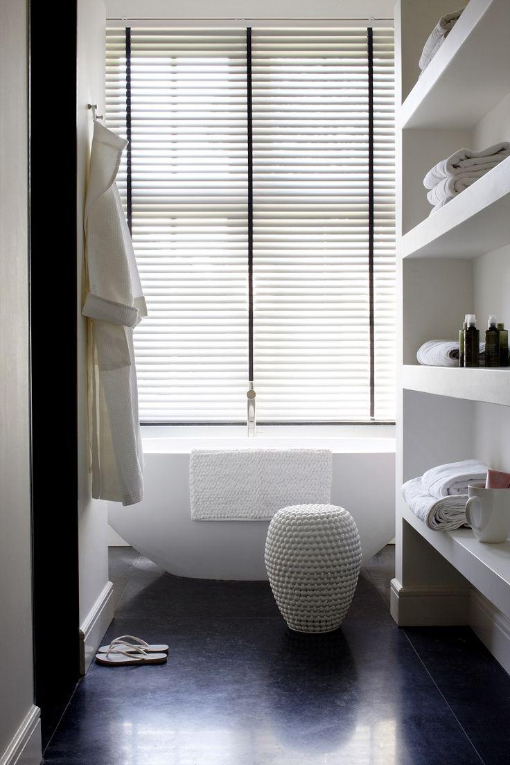Horizontale jaloezieën voor in badkamer