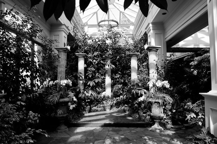 Butchart Garden wedding ceremony location. #butchartwedding #weddings #weddingvenue #butchartgardens