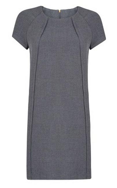 Vestito semplice con tagli