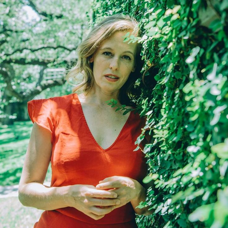 "The singer-songwriter, Tift Merritt, has announced a U.S. tour, called the ""Stitch of the World Tour,"" with dates from November through April."