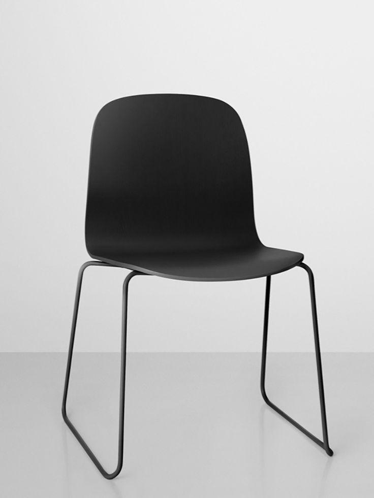 En ergonomisk och funktionell stol med tidlös design - Unik inredning från Artilleriet.
