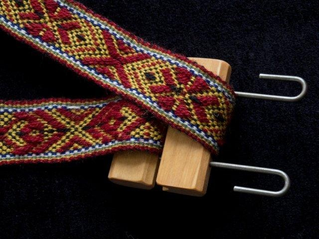 band lock in use- from Vavstuga weaving school