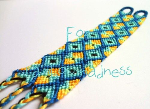 Tutorial - friendship-bracelets.net The kids are into these right now...this should help me to impress!
