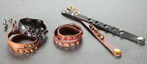 Hott Stuff armbånd - stilig lærarmbånd med nagler: http://www.hobbykunst-norge.no/display.aspx?menuid=985