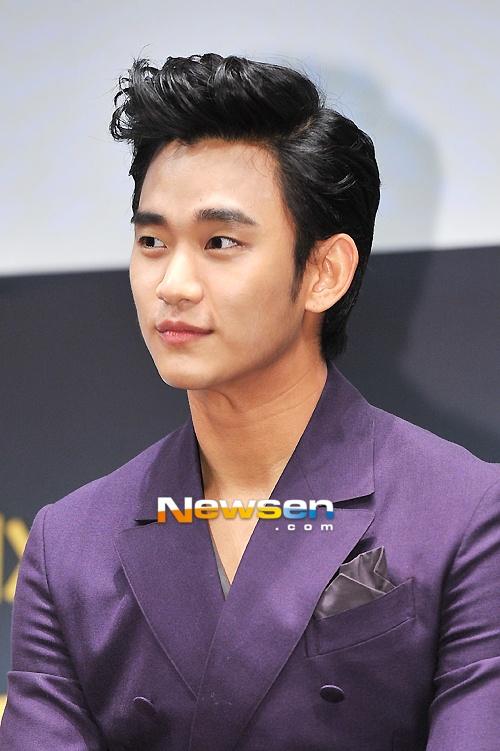 [June 12th 2012] Kim Soo Hyun (김수현) at The Thieves (도둑들) Press Conference #14 #KimSooHyun #SooHyun #TheThieves #Dodookdeul