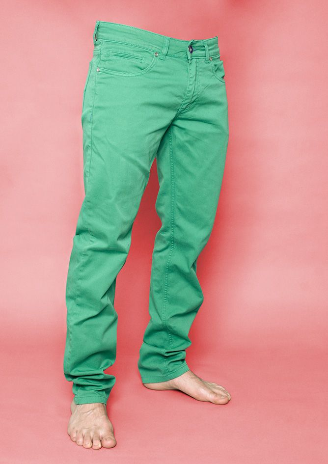 """Colora il tuo mondo con i pantaloni di Jeans Age!  Jeans della """"Collezione Uomo"""" a partire da 48€! Prodotto 100% italiano, e l'orlo su misura è in omaggio!"""