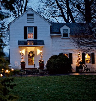 Greetings From the Farm Holiday Decor < 20 Festive Front Entries - MyHomeIdeas.com