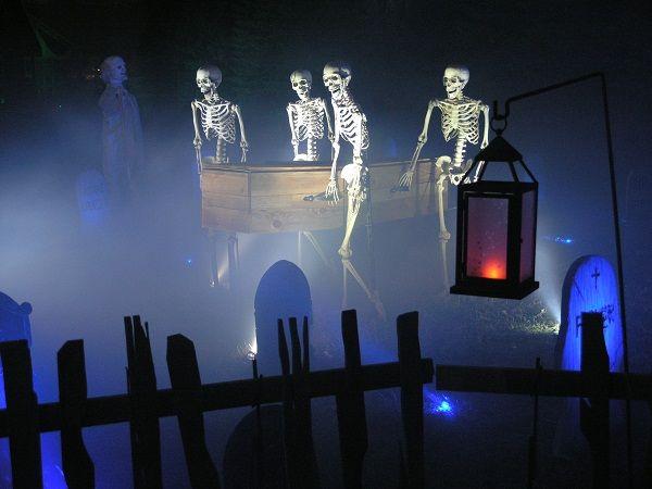 skeleton pallbearers nice fog rolling through lighting is excellent halloween skeleton decorationshalloween graveyardhalloween - Halloween Cemetery Decorations