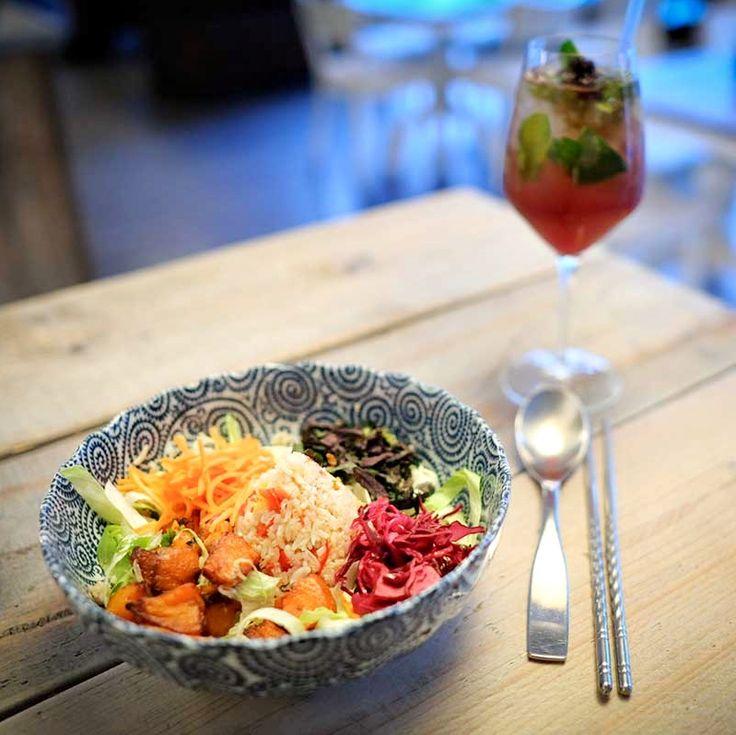 Pokud se vám při návštěvě Berlína zasteskne po vynikající vietnamské kuchyni, doporučujeme restauraci / kavárnu Royals & Rice. Autentická,...