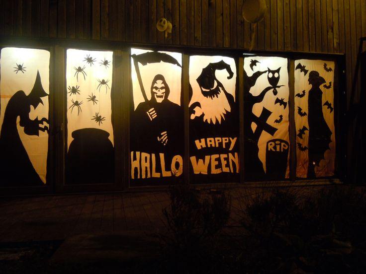 Halloween aan ons keuken venster