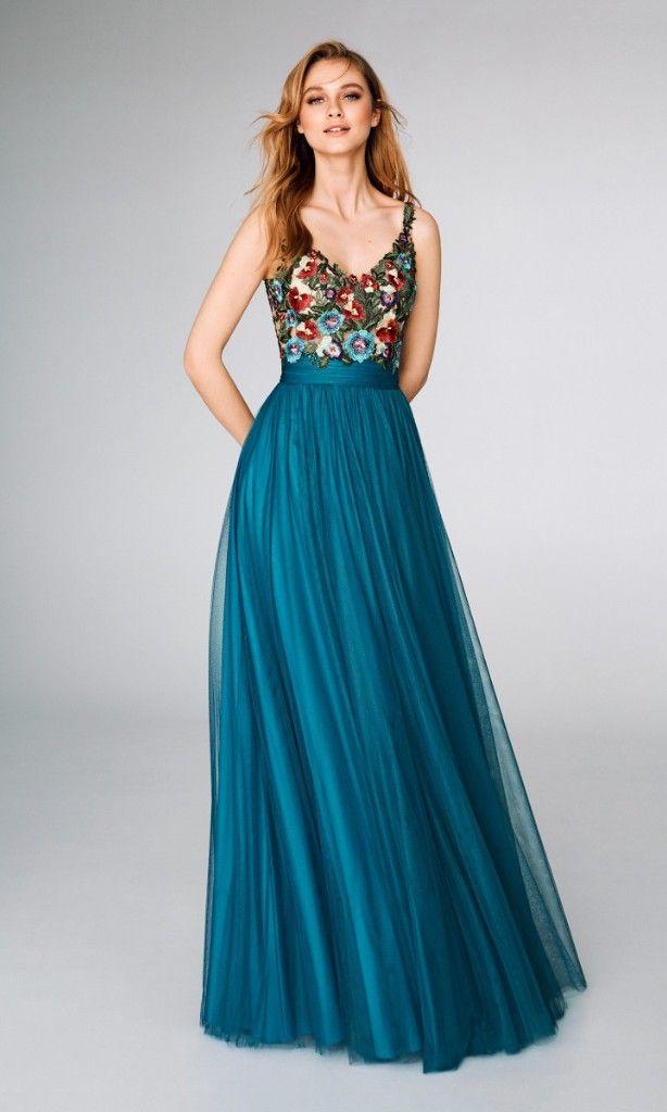 4614b2a98 Precioso vestido turquesa con coloridas flores en el cuerpo.  colombia   boda  matrimonio