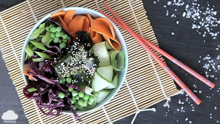 🥕Sałatka z wakame, świetnymi warzywami i sosem sezamowym🥒🌱Przepis na www.pidniebienie.com (link w opisie) #wakamesalad #PodNiebienie #wakame #marchewka #carrot #sezamseeds #sezam #gogreen #detox #blogkulinarny