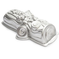 want this! Yule Log Pan from Nordic Ware