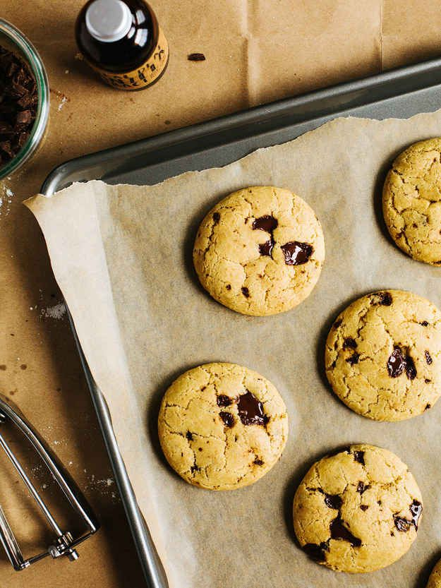 Coconut Oil Chocolate Chunk Cookies