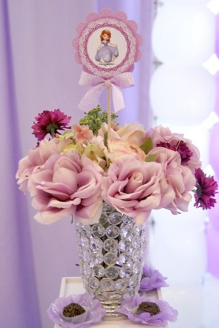 Decorations at a Sofia the First Party #sofiathefirst #partydecor